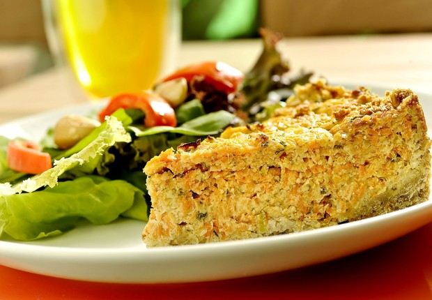 Torta de cenoura, alho-poró e queijo gruyère, da The Gourmet Tea (Foto: Tadeu Brunelli / Divulgação)