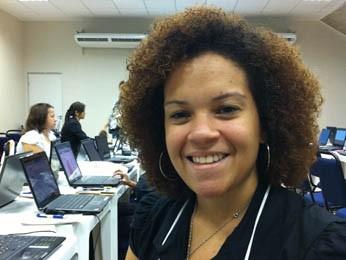 Rosana Maia acredita nas redes sociais como ferramenta de ensino, mas com alguns limites (Foto: Gabriela Belém, G1 PE)