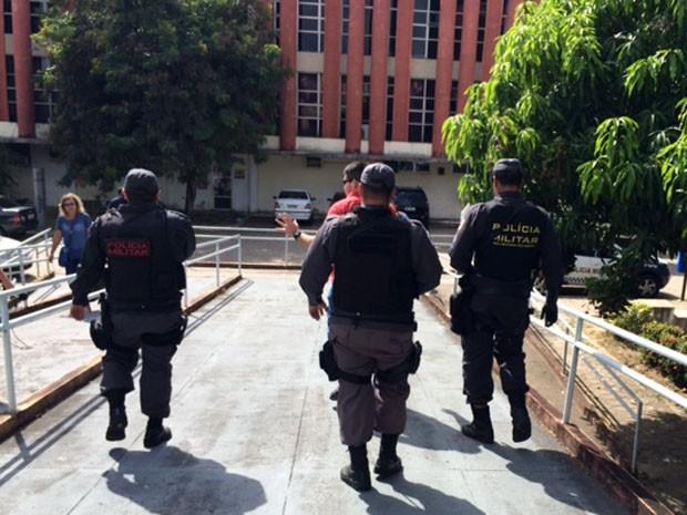 Soldado Dennys esteve na Secretaria de Segurança Pública nesta quarta (Foto: Fernanda Zauli/G1)