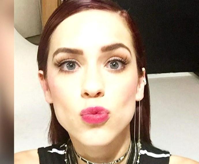 Sophia com os cabelos lisos! (Foto: TV Globo)