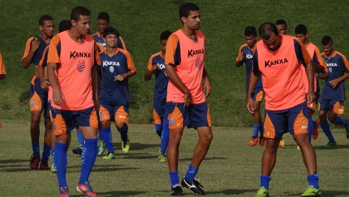 Afonso, Carlinhos e Breno em treino do CSA (Foto: Henrique Pereira/ GloboEsporte.com)
