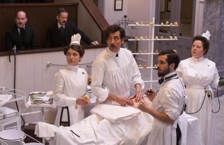 """""""The knick"""": Clive Owen interpretando um médico na virada do século XIX para o XX  Divulgação"""
