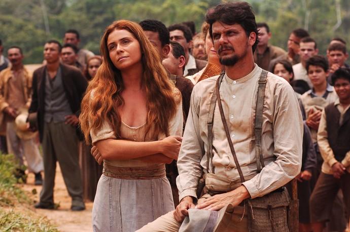 Duda RIbeiro ao lado de Giovanna Antonelli na minissérie 'Amazônia' (Foto: TV Globo / João Miguel Júnior)
