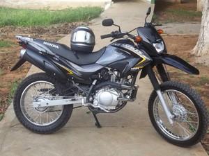 A moto placa HIB 7626 foi roubada em um assalto no dia 19, em Taquaral, distrito de Itinga (Foto: Diego Souza/G1)