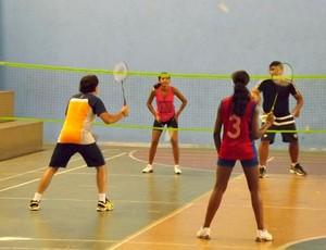 Badminton é um esporte semelhante ao tênis (Foto: FABm/Divulgação)