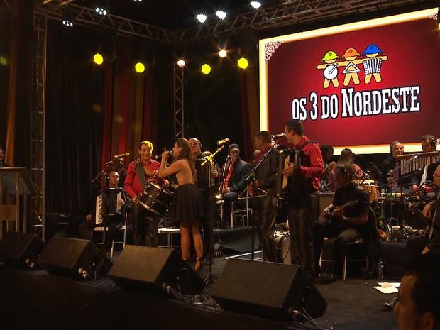 O grupo Os 3 do Nordeste se apresentou no palco do Troféu Gonzagão (Foto: Reprodução/TV Paraíba)