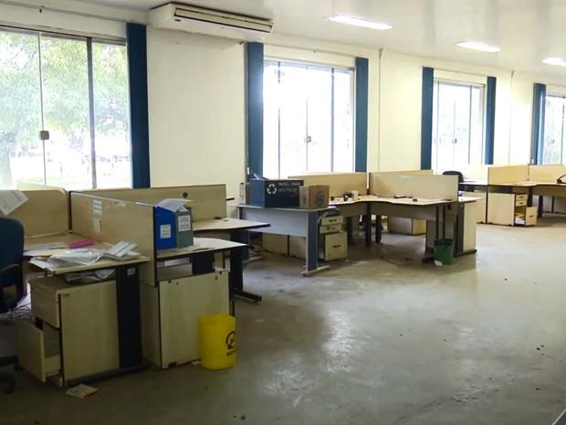 Parte administrativa da Zamin está deteriorada (Foto: Reprodução/Rede Amazônica no Amapá)