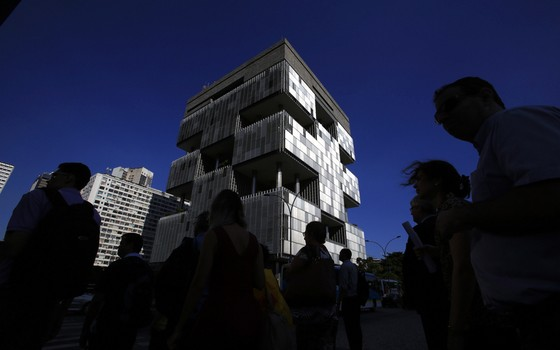 A sede da Petrobras,no Rio,funcionarios dos escritórios recebem adicional igual a de quem se arrisca nas plataformas (Foto: Dado Galdieri/Bloomberg via Getty Images)