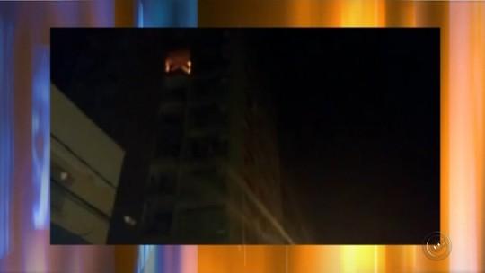Incêndio em prédio comercial mobiliza bombeiros em Fernandópolis