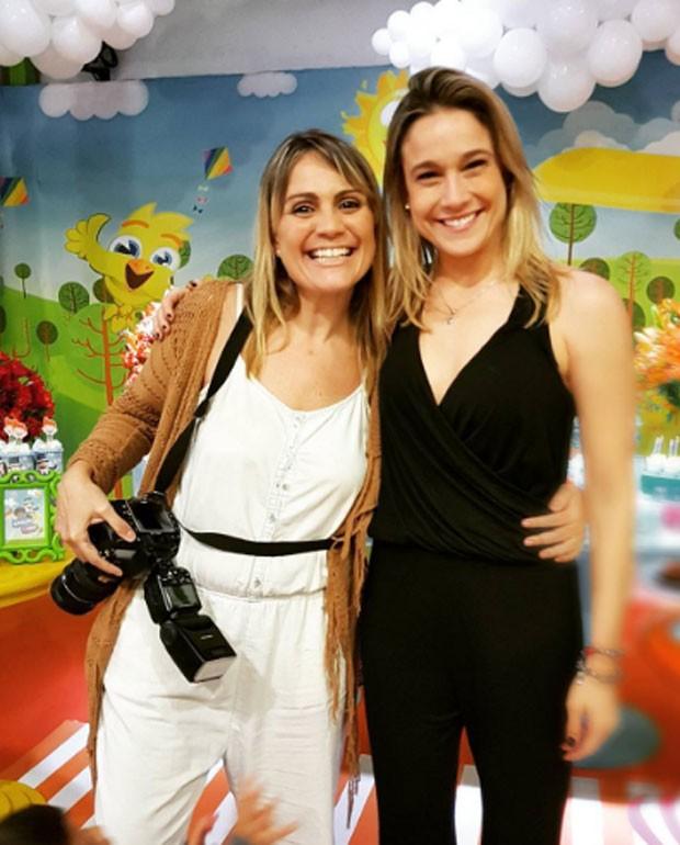 A fotógrafa Rebeca Penna e Fernanda Gentil  (Foto: Reprodução)