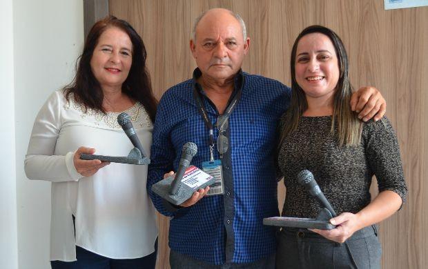 Jornalista, Silvana Guimarães (à erqueda), coordenador de interior, Júlio Duarte, e a apresentadora, Cleide Freires (Foto: Jorge Abreu/Rede Amazônica)
