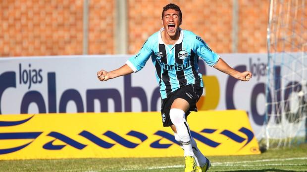 Paulinho comemora gol do Grêmio contra o Esportivo (Foto: Lucas Uebel / Site Oficial do Grêmio)