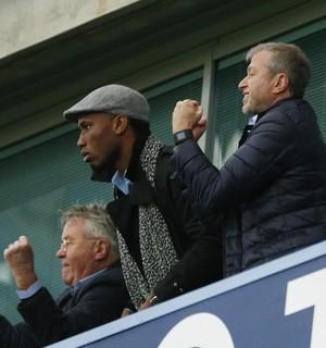 Guus Hiddink, Drogba e Abramovic Chelsea x Sunderland (Foto: Reuters)