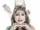 Gil Jung posa para ensaio de carnaval e homenageia Mocidade