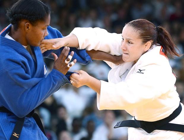 Maria Portela na luta de judô em Londres (Foto: AFP)
