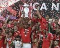 Ranking de jornal inglês coloca Julio César como maior vencedor do futebol