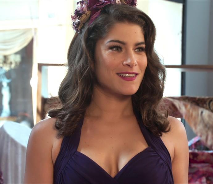 Diana vai à loja de Severo vestida para matar (Foto: TV Globo)