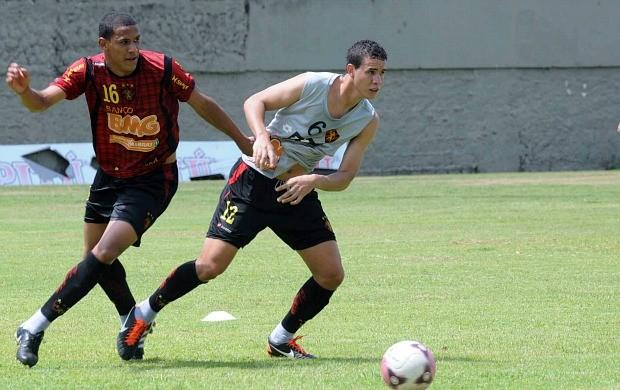 Roberson, atacante do Sport (Foto: Aldo Carneiro)
