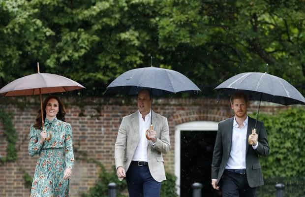 Kate Middleton e os príncipes William e Harry (Foto: Getty Images)