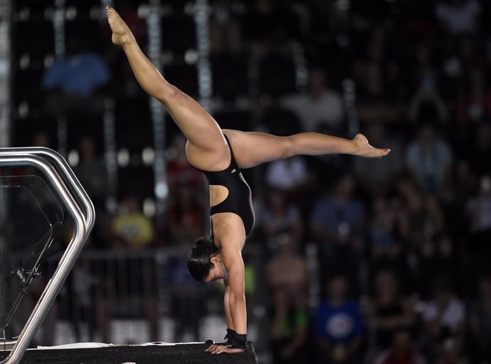 Ingrid Oliveira não deu entrevistas após série de saltos desta sexta-feira (Foto: Timothy A. Clary/AFP/Getty Images)