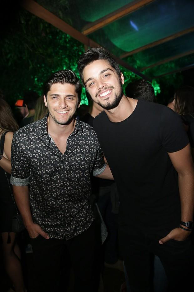 Bruno Gisoni e Rodrigo Simas (Foto: Miguel Sá/ Divulgação)