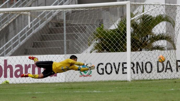 campinense x baraúnas, érico (Foto: Leonardo Silva / Jornal da Paraíba)