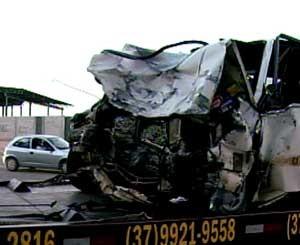 Acidente foi registrado próximo a Divinópolis, MG (Foto: Reprodução/TV Integração)