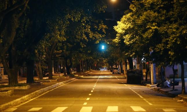 Onda de violencia deixa a principal rua de Vitória deserta