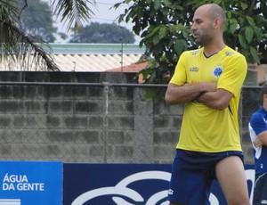 Bruno Rodrigo treino Cruzeiro (Foto: Maurício Paulucci)