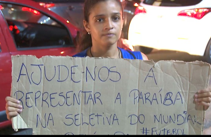 Meninas, futebol feminino, pedágio, Paraíba (Foto: Reprodução / TV Cabo Branco)