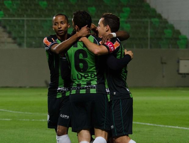 gol América-MG sobre sport (Foto: Araceli Souza / Ag. Estado)