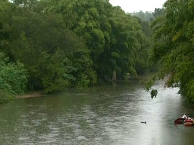 Rio Atibaia em Campinas (Foto: Reprodução / EPTV)