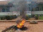 Em Belterra, índios ateiam fogo em pneus para cobrar salários atrasados