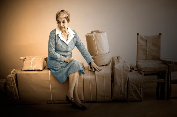 A atriz Amélia Bittencourt vive Cora Coralina na velhice (Foto: Divulgação)
