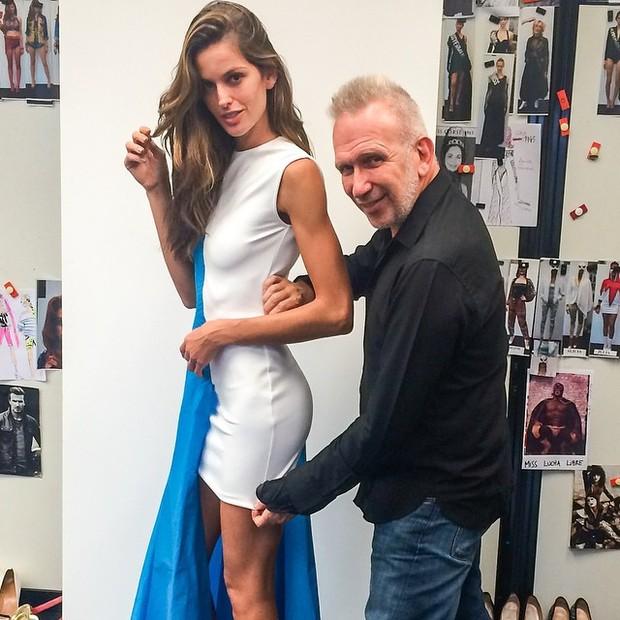 Izabel Goulart e Jean Paul Gaultier (Foto: Instagram / Reprodução)