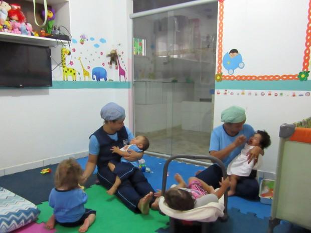 Casa de apoio oferece creche em período integral. Atualmente, 50 crianças recebem atendimento (Foto: Jéssica Nascimento/G1)
