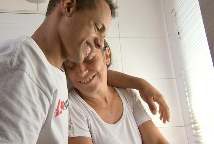 Na adoção, filhos ganham espaço em novos lares e corações  (Foto: Reprodução / TV TEM)