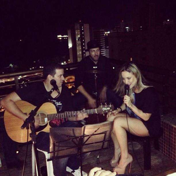 Claudia Leitte canta em Fortaleza (Foto: Instagram/ Reprodução)