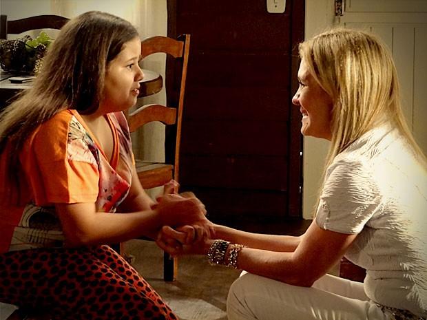Carminha consegue colocar Ágata contra Nina (Foto: Avenida Brasil / TV Globo)