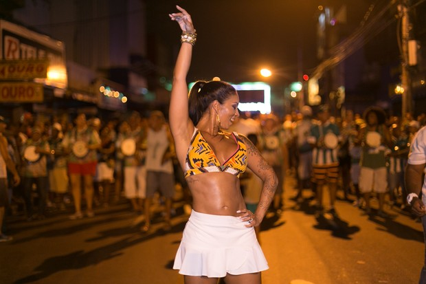 Milena Nogueira,esposa do cantor Diogo Nogueira e rainha de bateria do Império Serrano, (Foto: Alex Nune/Divulgação)
