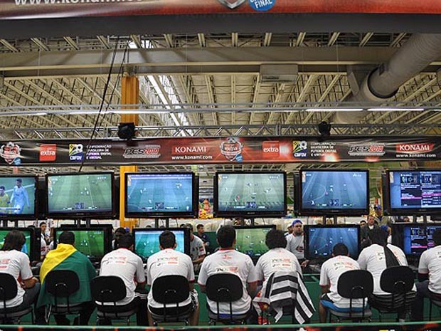 Cyber-atletas poderão ganhar prêmio de R$ 5 mil em competição (Foto: Divulgação/FutRioDigital)