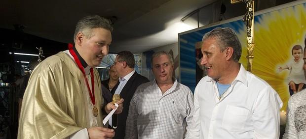 Padre Marcelo Rossi e Tite Corinthians (Foto: Daniel Augusto Jr / Agência Corinthians)