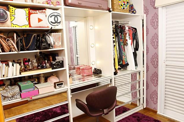 O closet de Carol Narizinho (Foto: Celso Tavares/EGO)