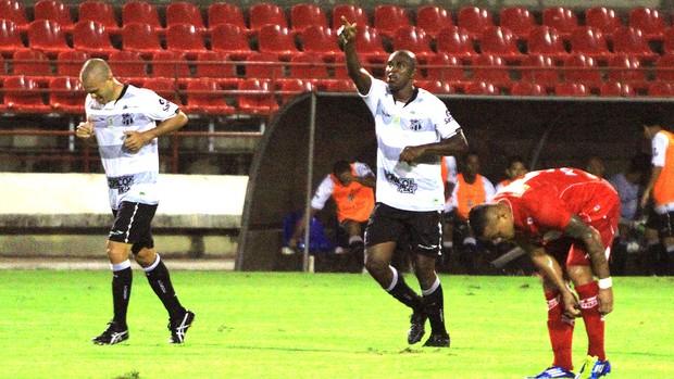 Itamar comemora gol do Ceará contra o CRB (Foto: Ailton Cruz / Ag. Estado)