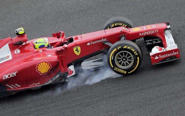 Felipe Massa durante o treino classificatório para o GP do Japão (Foto: AP)