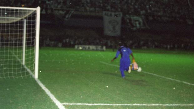 massagista; ceará; américa-rn; 2000; impede; gol (Foto: Kid Júnior/Agência Diário)