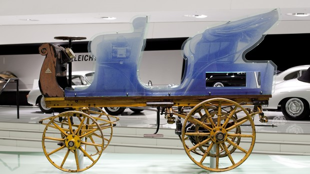 FOTOS: veja o primeiro Porsche da história