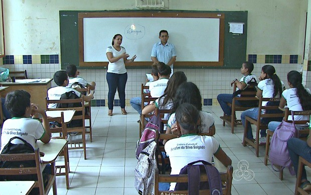 Gestores e professores conscientizam alunos sobre os cuidados contra o mosquito da dengue (Foto: Bom Dia Amazônia)
