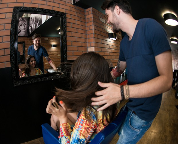 Quando a gente viaja, ele pergunta: Dessa, pegou o secador?, se diverte Andressa (Foto: Camila Serejo / Gshow)