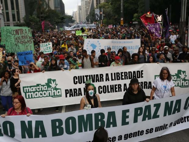 Marcha da Maconha na Avenida Paulista, em São Paulo (SP), neste sábado (14) (Foto: Newton Menezes/Futura Press/Futura Press/Estadão Conteúdo)
